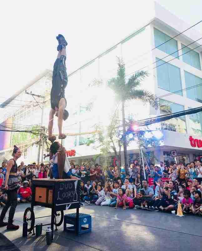 מופע קרקס בפסטיבל בבנגקוק